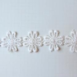 30311 Maya Road Vintage Alterable Lace Trim Daisy 16 mm x 1 Meter.