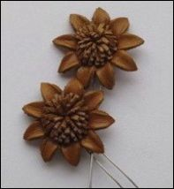 36939 Real Leather Flower (2) Tan 25mm (12288-8836).