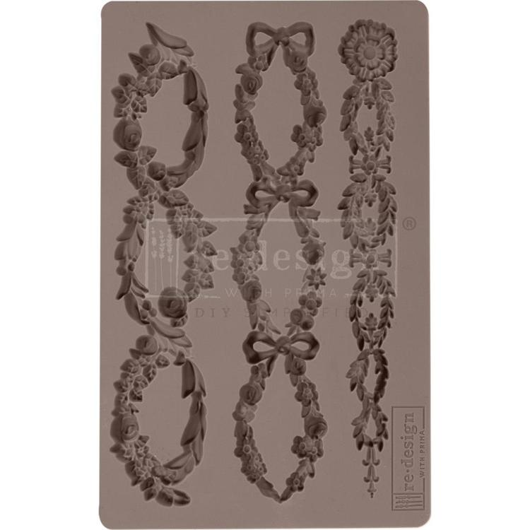 "53903 Prima Marketing Re-Design Mould 5""X8""X8mm Floral Chain (636418)."