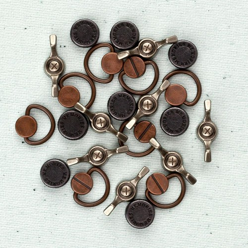 22621 Junkyard Findings Vintage Trinkets Handles & Turns.